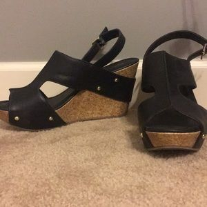 Kenneth Cole sandals!